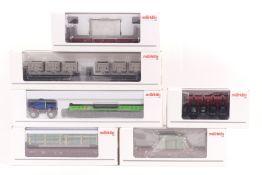 Märklin sechs Güterwagen, 44731, 48662, 46963, 4635, 46975, 48943, sehr gut erhalten