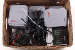 Märklin zwei 60052 Transformatoren 60VA, zwei 60174 Booster, 6040 Keyboard, zwei 6043 Memory