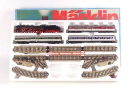 """Märklin 3185, Geschenkpckg,, Dampflok 3085 """"003 160-9"""", drei Popfarben-Wagen, M-Gleisoval mit Ausw"""