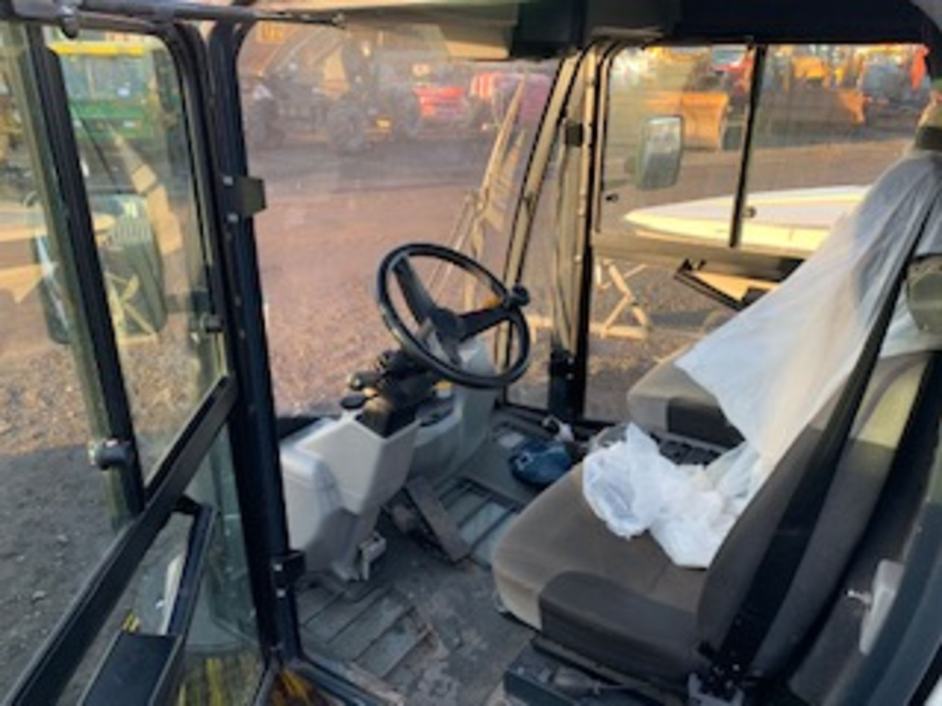 Lot 1712 - JOHNSTON STREET CLEANSING SWEEPER 295 MILES AND 153 HRS (NOT VERIFIED) REG - LJ14CAU
