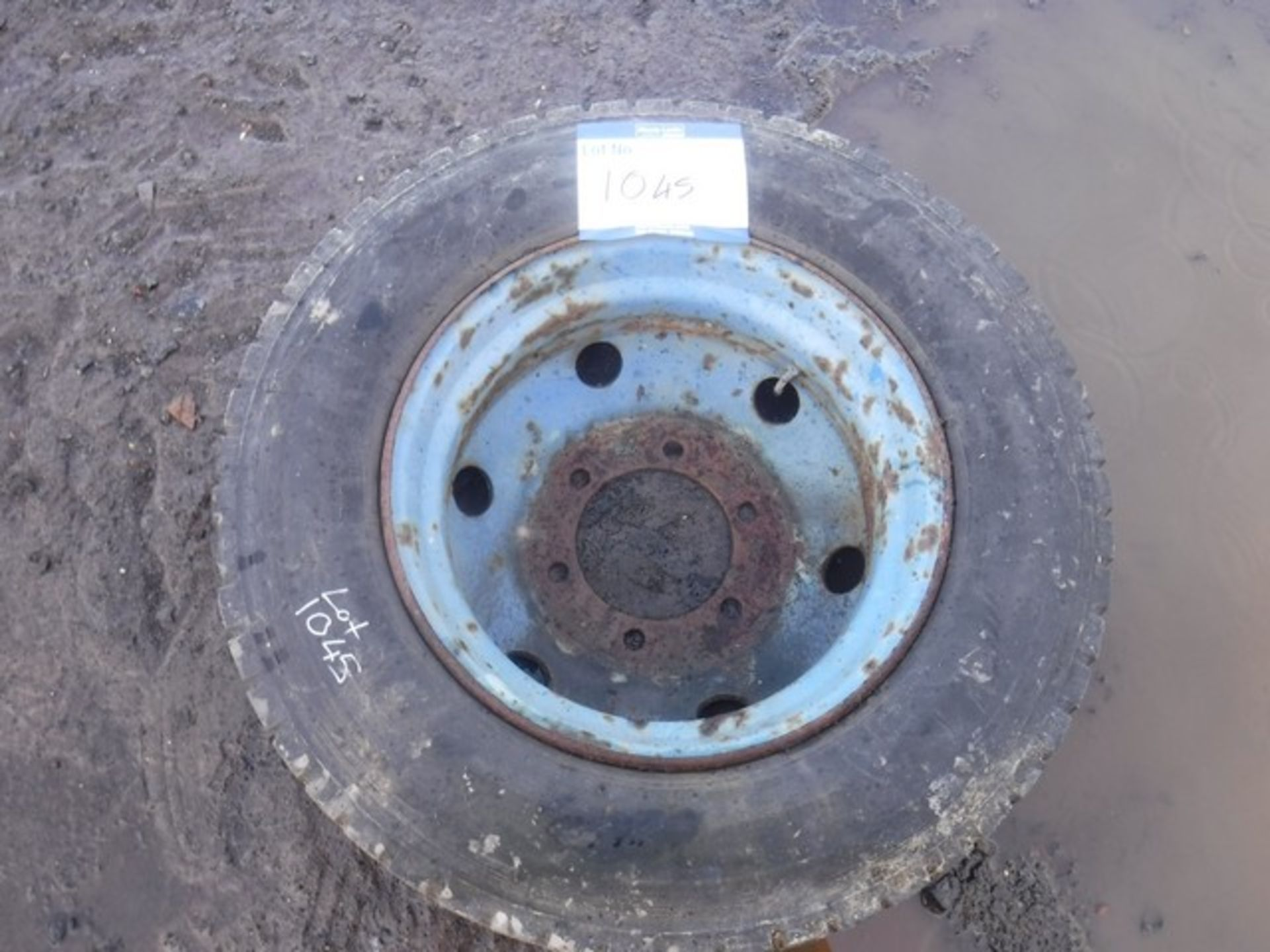 Lot 1045 - WHEEL AND TYRE 7.5TONNE
