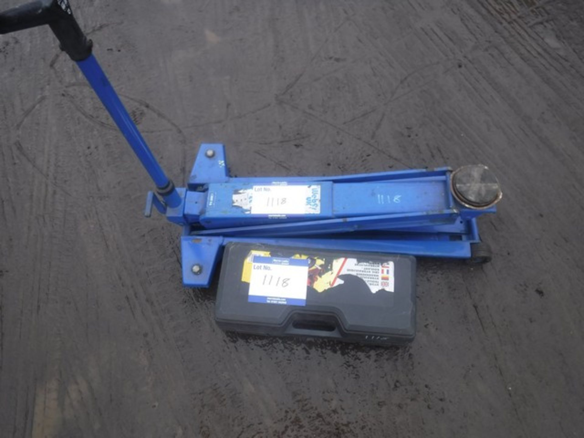 Lot 1118 - HIGH LIFT WEBER TROLLEY JACK 1300KG AND SMALL TROLLEY JACK IN CARRYING CASE