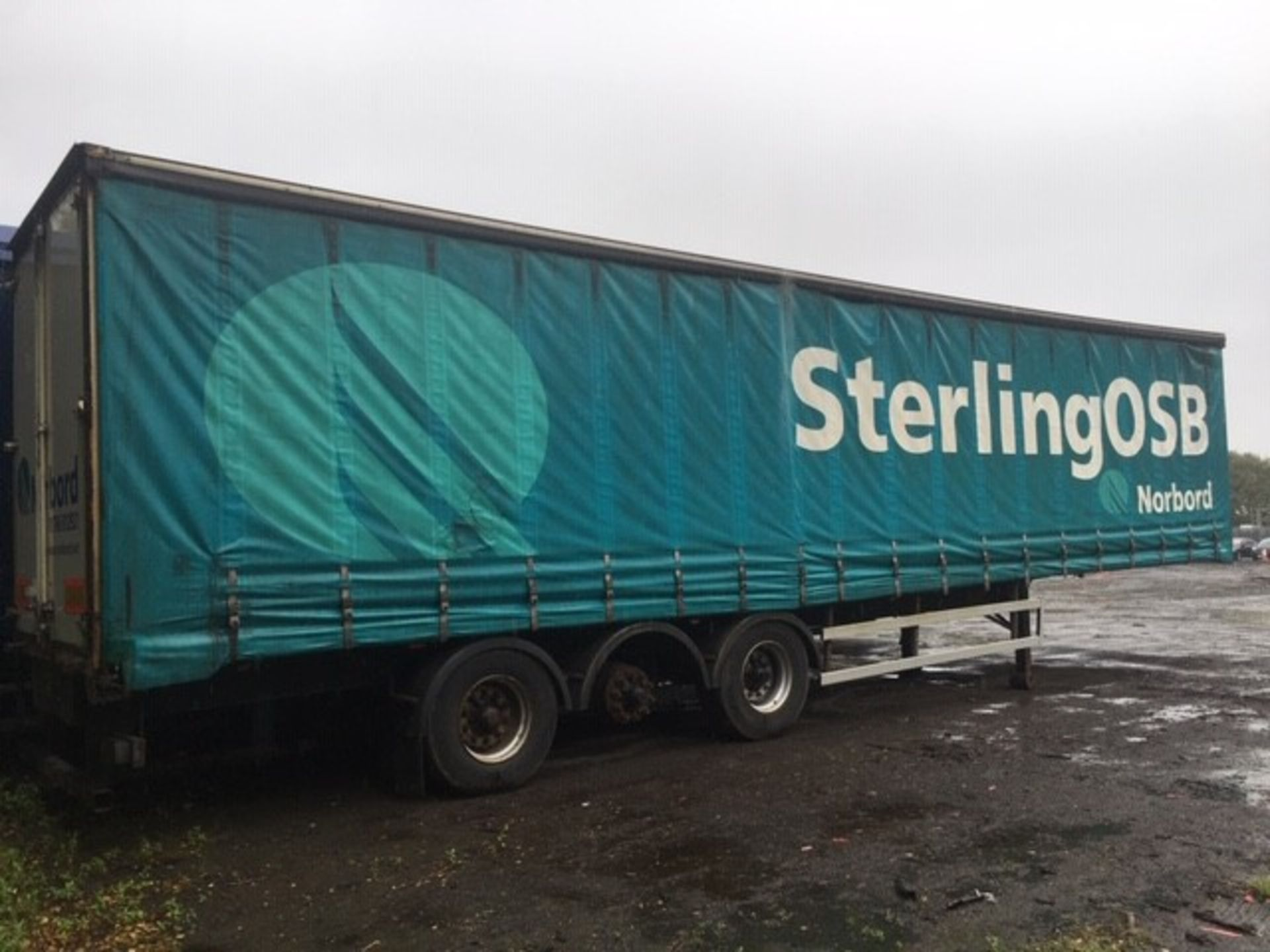 Lot 1701 - M&G FAC24B TRI-AXLE ARTICULATED CURTAINSIDE TRAILER ***TRAILER IS NOT ON SITE @ ERROL WILL B