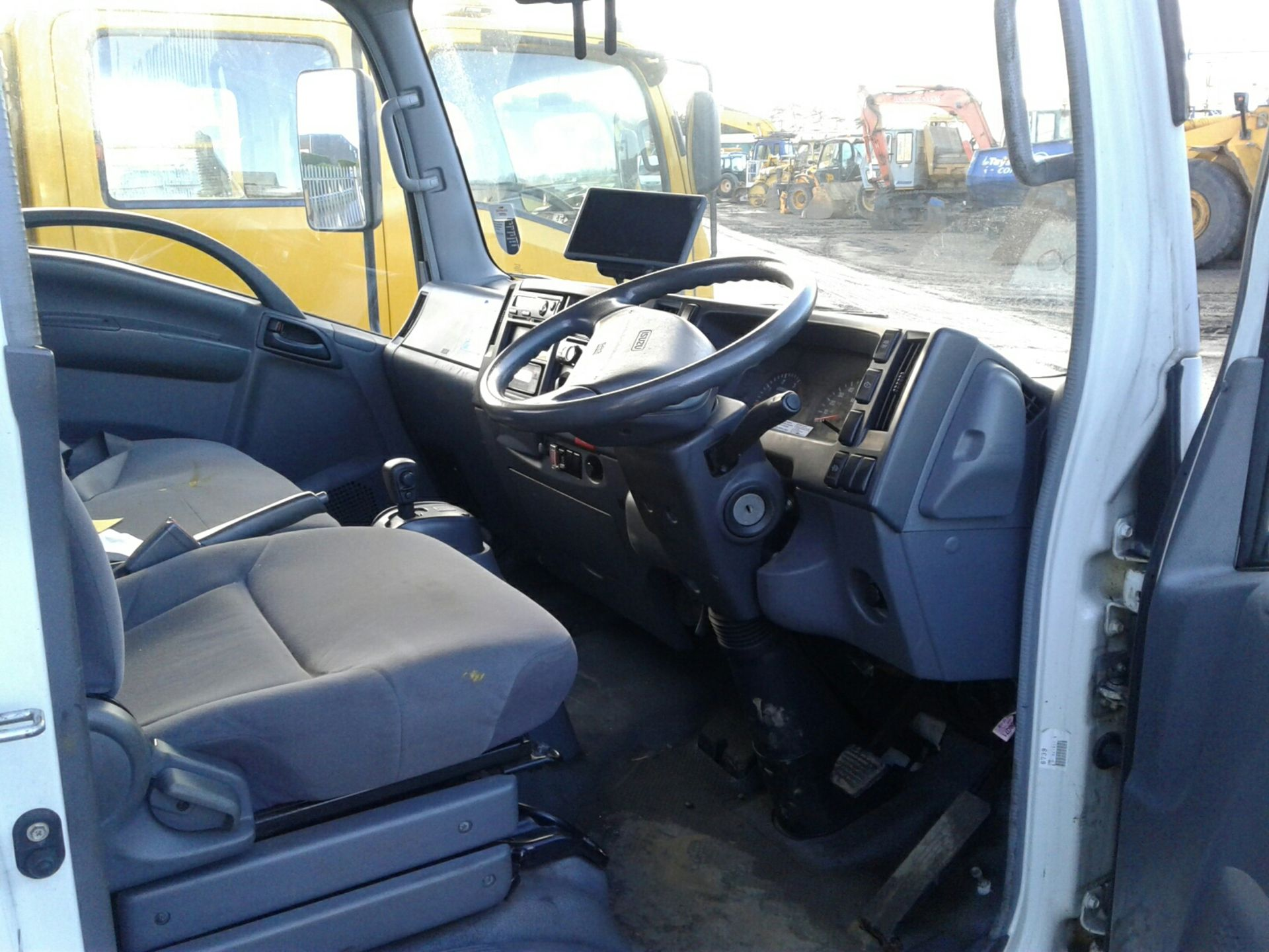 Lot 1700 - ISUZU TRUCKS FORWARD N62.150 AUTO - 2999cc