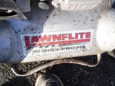 LAWNFLITE PRO S53 x4 AND HONDA GXV160 ENGINE PLUS 2 BASKETS