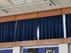 Short curtains aprox 4ft x 4ft Navy blue