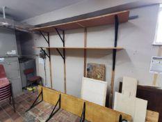 4x Wooden shelves & asorted wood