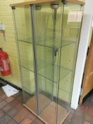 Illumintated double display cabinet