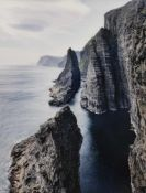 "Andrew, JonathanCompstall, geboren 1970100 x 75 cm,R.""Sea stacks , Faroe Islands"", 201"