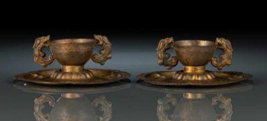 Paar Weinbecher auf Ständen aus Kupfer mit Feuervergoldung