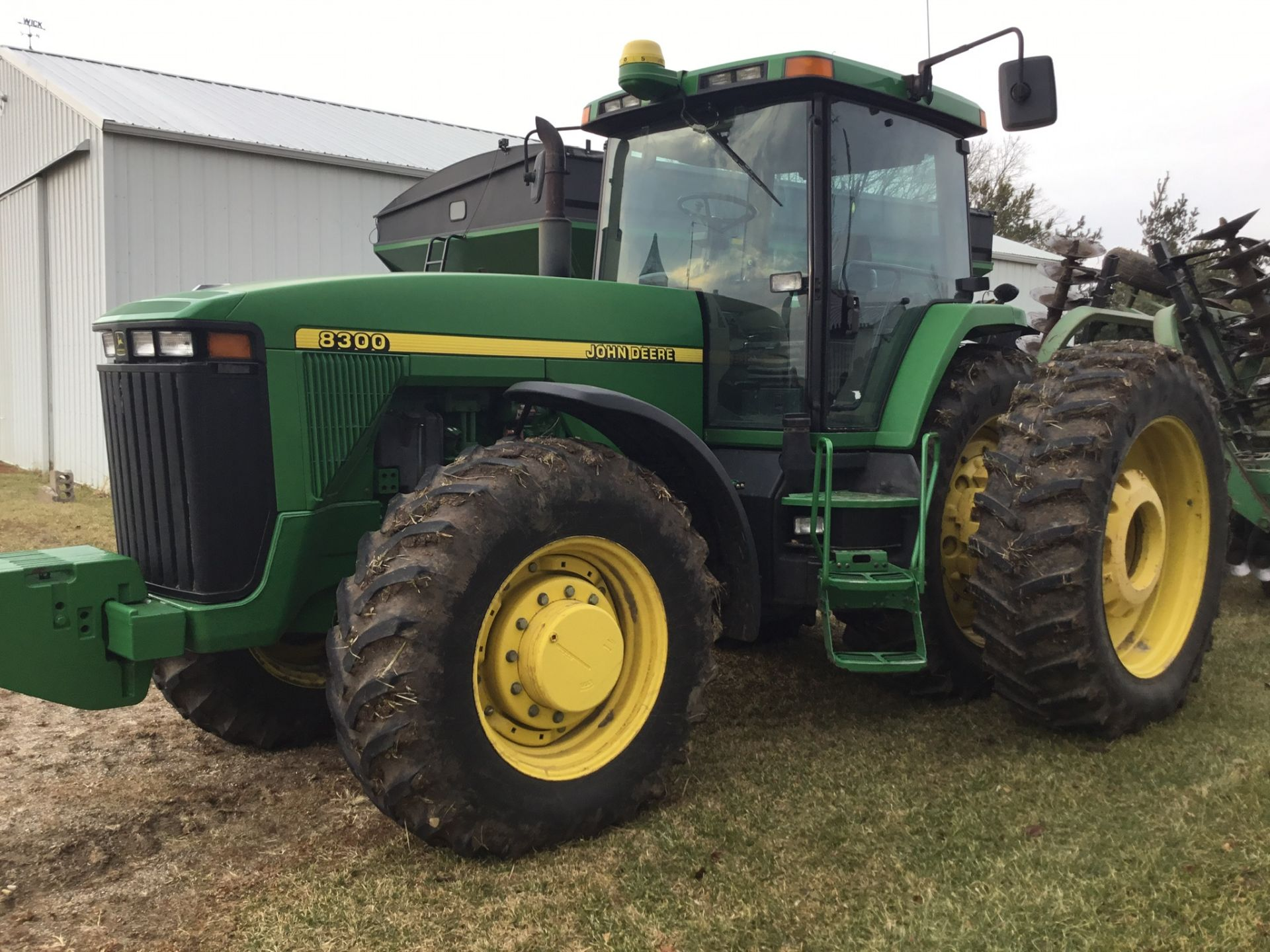 1997 John Deere 8300 MFWD, Power Shift, 3 Hydraulic Remotes, 3 Pt., Quick Hitch, PTO, Green Star - Image 20 of 25