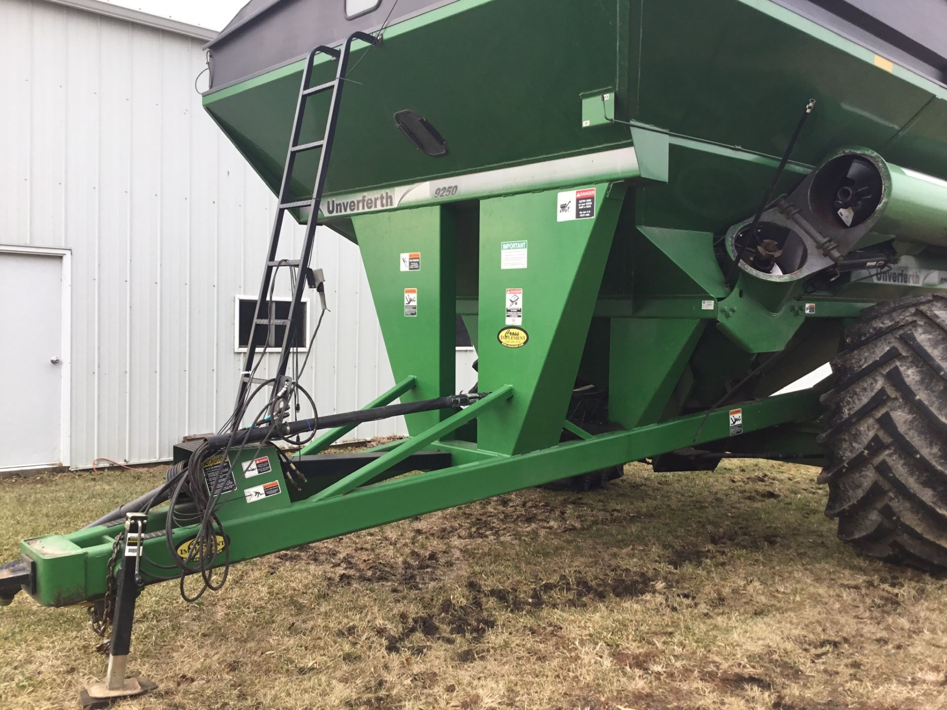 2009 Unverferth 9250 1,000 Bu. Auger Cart, Hydraulic Spout, 3 Cameras, Roll Tarp, New Augers, 900- - Image 14 of 15