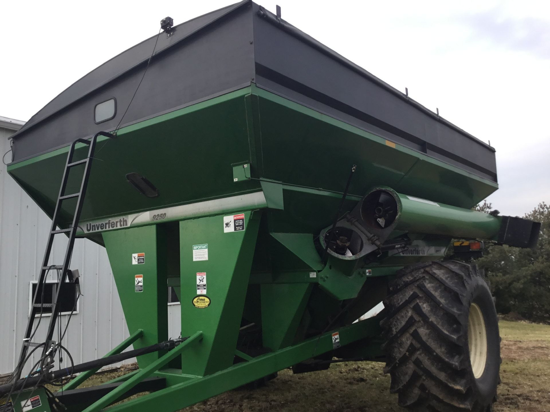 2009 Unverferth 9250 1,000 Bu. Auger Cart, Hydraulic Spout, 3 Cameras, Roll Tarp, New Augers, 900- - Image 15 of 15
