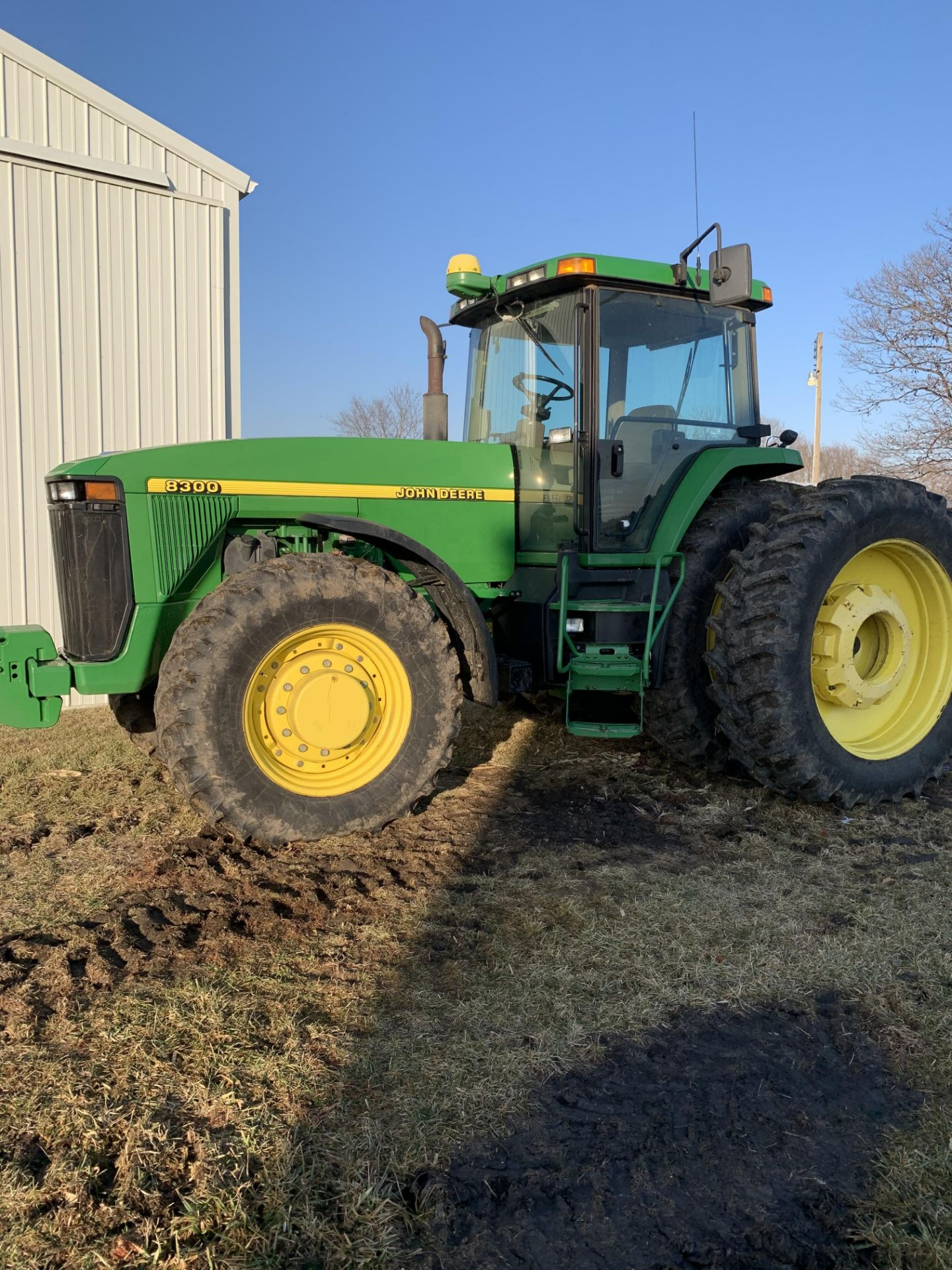 1997 John Deere 8300 MFWD, Power Shift, 3 Hydraulic Remotes, 3 Pt., Quick Hitch, PTO, Green Star - Image 24 of 25