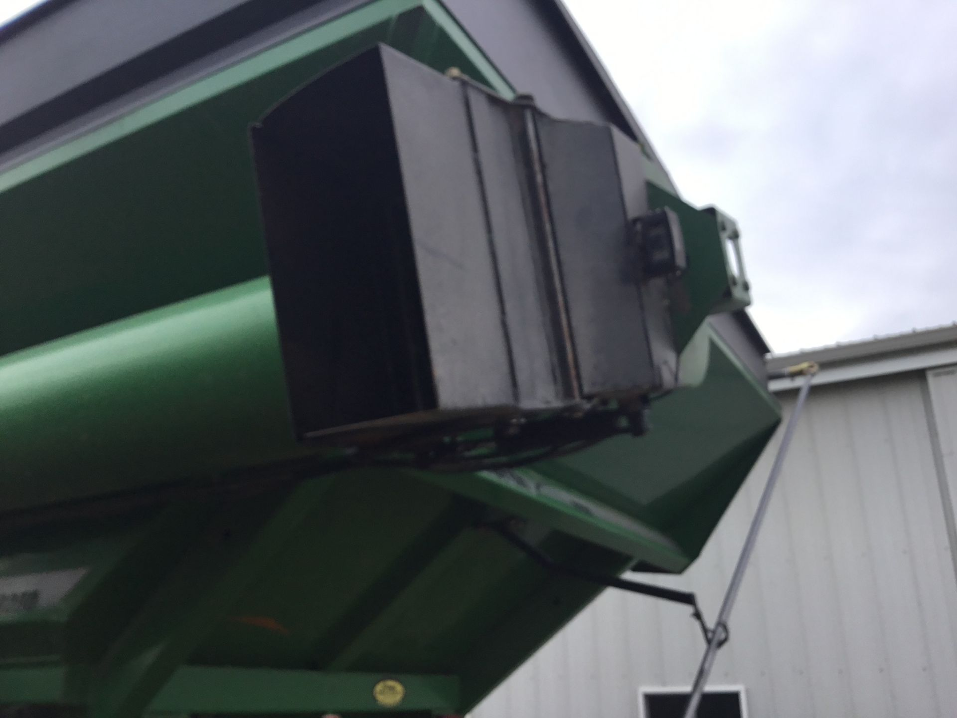 2009 Unverferth 9250 1,000 Bu. Auger Cart, Hydraulic Spout, 3 Cameras, Roll Tarp, New Augers, 900- - Image 3 of 15