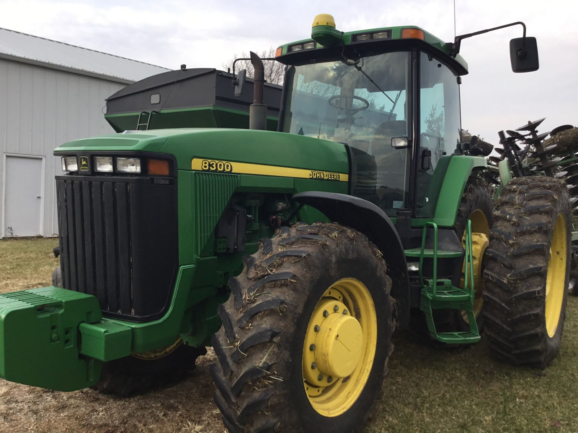 1997 John Deere 8300 MFWD, Power Shift, 3 Hydraulic Remotes, 3 Pt., Quick Hitch, PTO, Green Star - Image 8 of 25