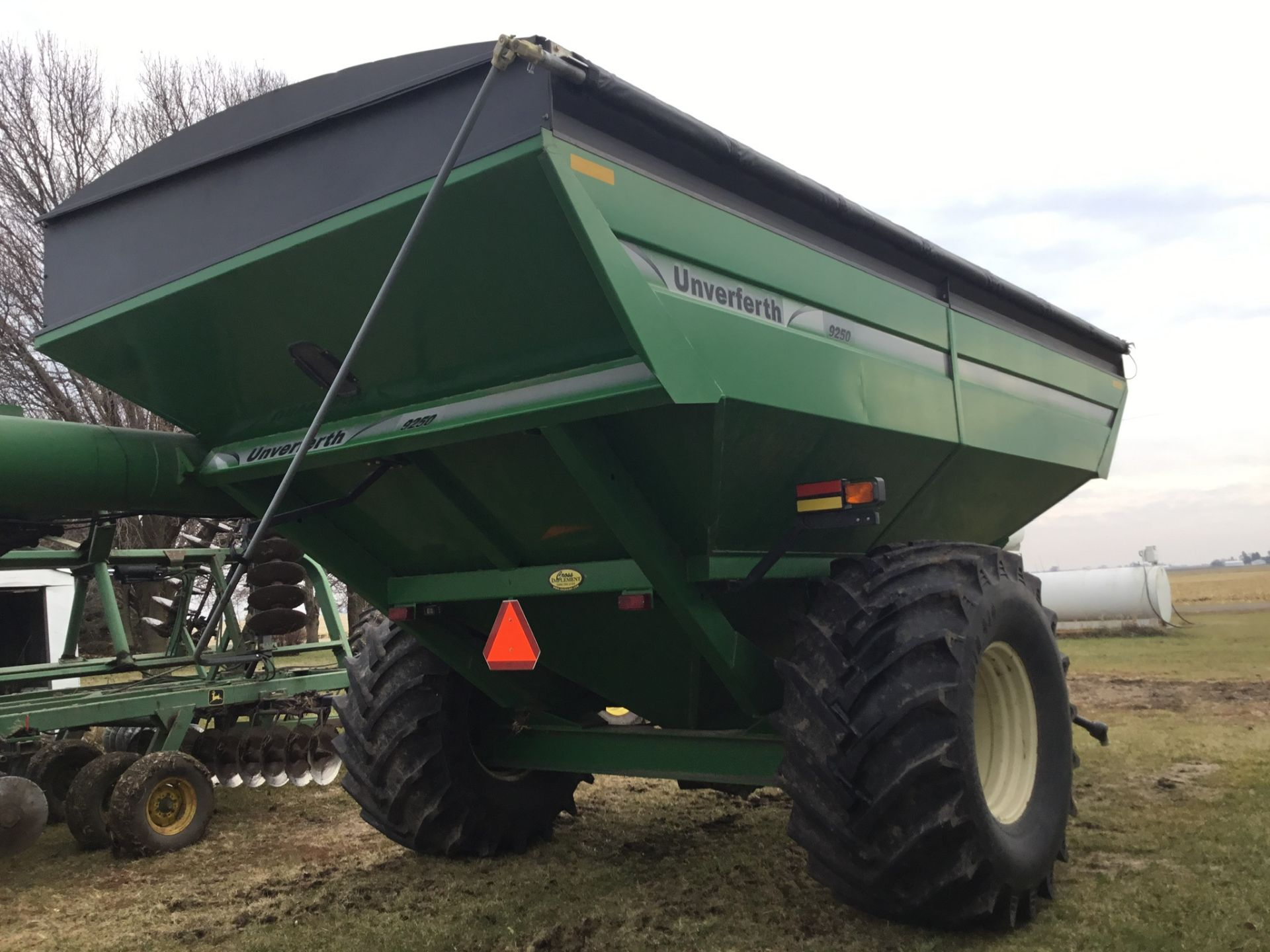 2009 Unverferth 9250 1,000 Bu. Auger Cart, Hydraulic Spout, 3 Cameras, Roll Tarp, New Augers, 900- - Image 9 of 15