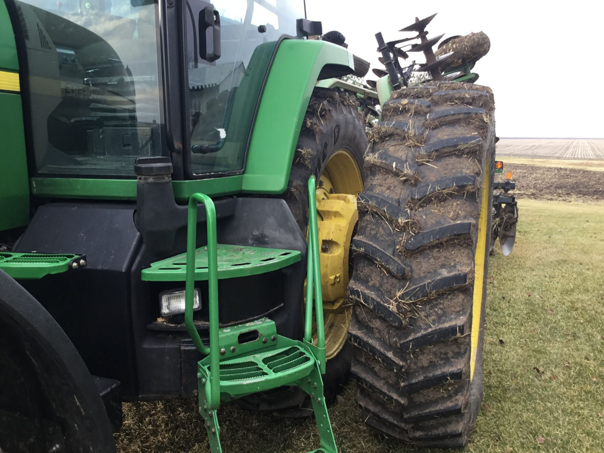 1997 John Deere 8300 MFWD, Power Shift, 3 Hydraulic Remotes, 3 Pt., Quick Hitch, PTO, Green Star - Image 9 of 25