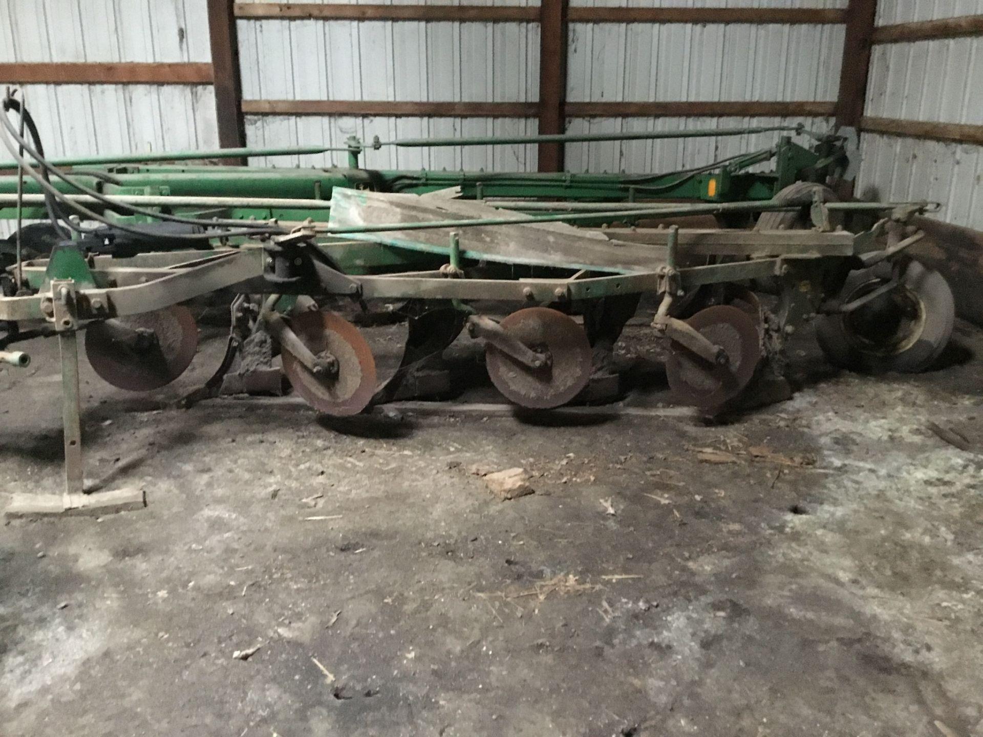John Deere 145 4 Bottom Plow, 4/16 Bottoms