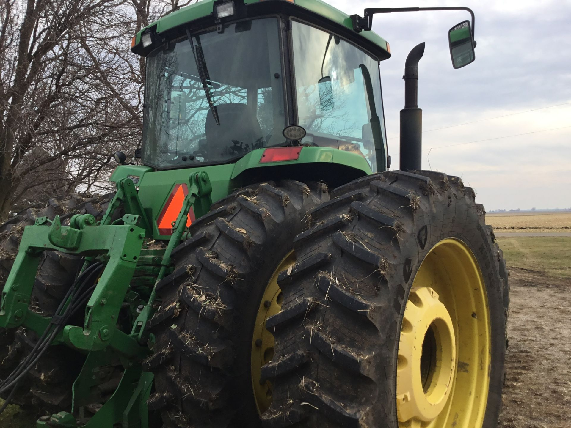 1997 John Deere 8300 MFWD, Power Shift, 3 Hydraulic Remotes, 3 Pt., Quick Hitch, PTO, Green Star - Image 22 of 25