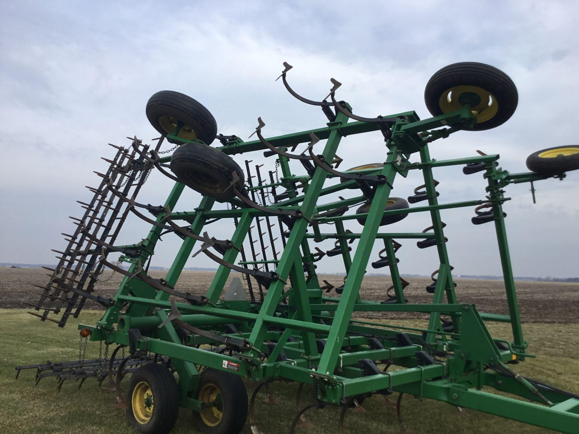 "John Deere 980 Field Cultivator, 30Ft., 5 Bar Harrow, Walking Tandems, 9"" Shovels, Serial # - Image 8 of 10"