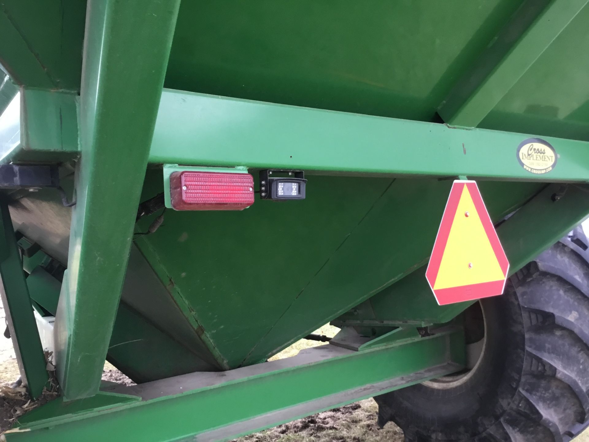 2009 Unverferth 9250 1,000 Bu. Auger Cart, Hydraulic Spout, 3 Cameras, Roll Tarp, New Augers, 900- - Image 13 of 15