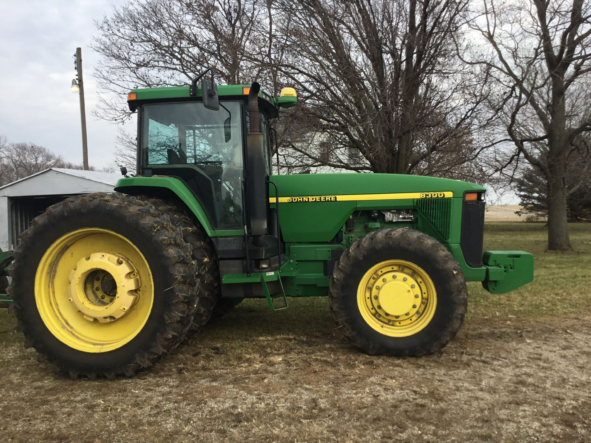 1997 John Deere 8300 MFWD, Power Shift, 3 Hydraulic Remotes, 3 Pt., Quick Hitch, PTO, Green Star - Image 15 of 25