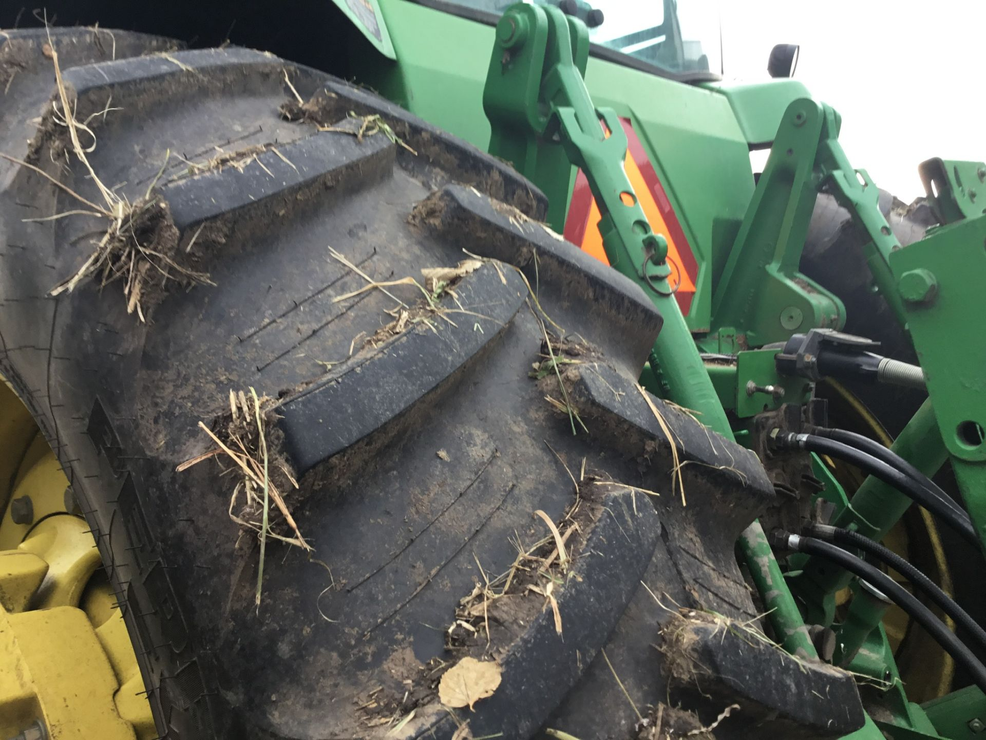 1997 John Deere 8300 MFWD, Power Shift, 3 Hydraulic Remotes, 3 Pt., Quick Hitch, PTO, Green Star - Image 5 of 25