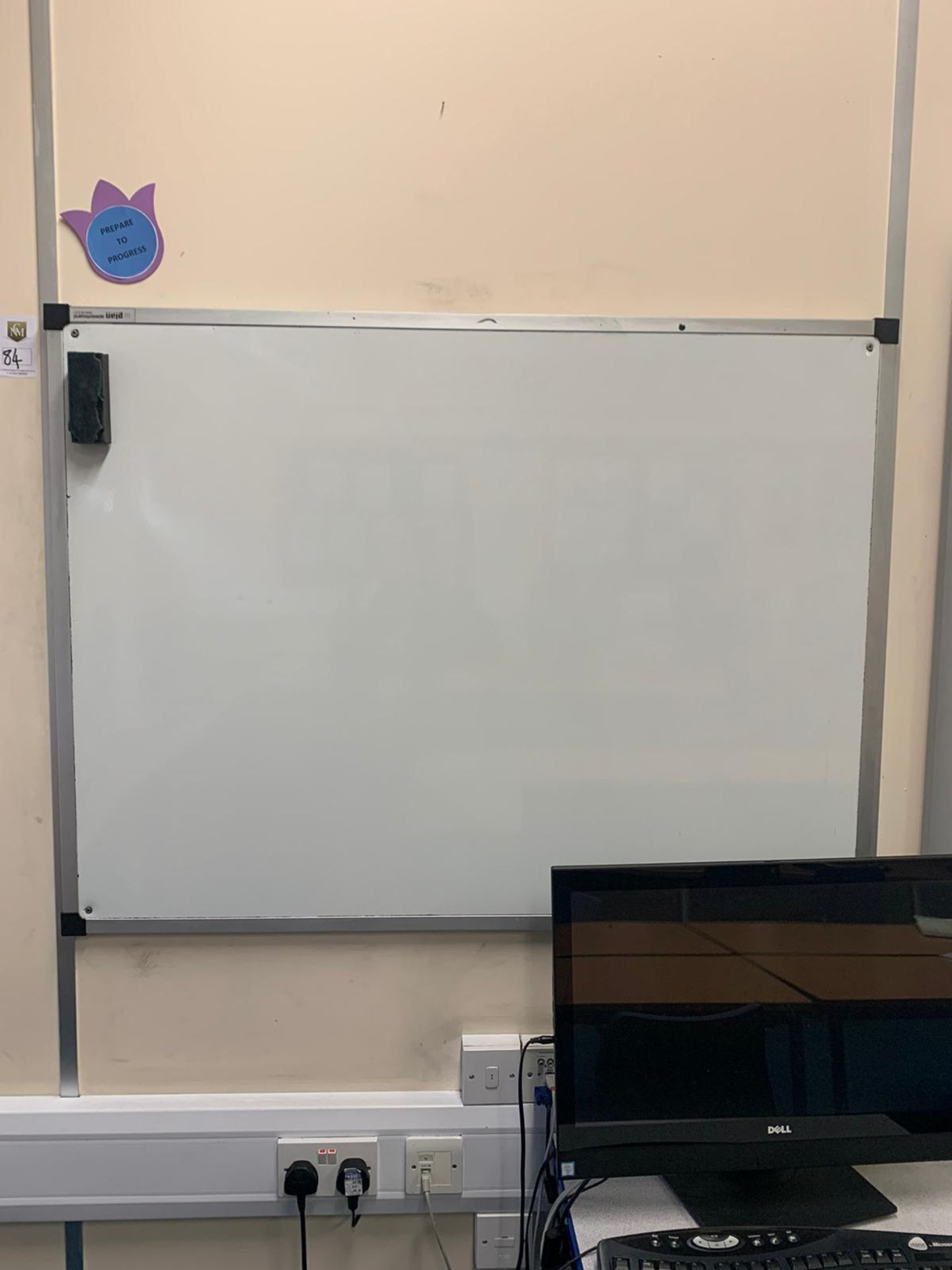 Lotto 84 - White Board