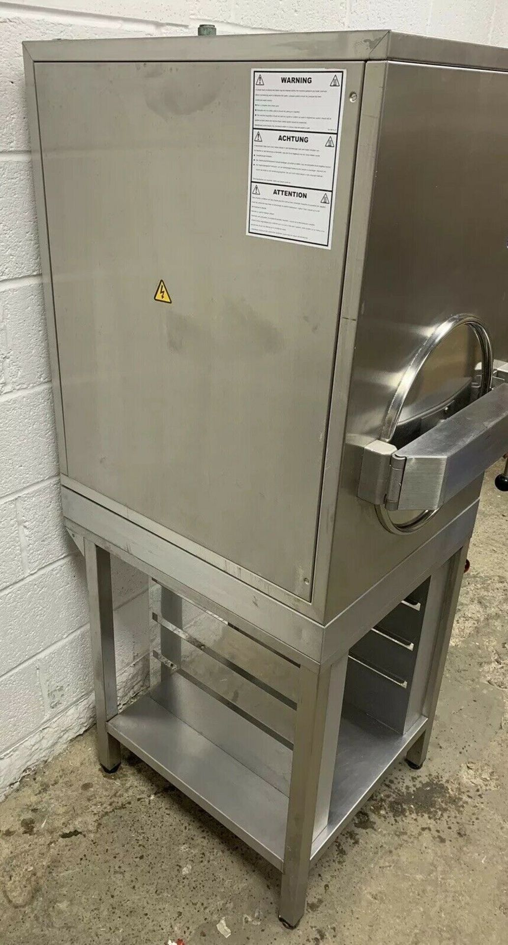 Lot 54 - Hobart 305GB High Speed Steamer and Stand