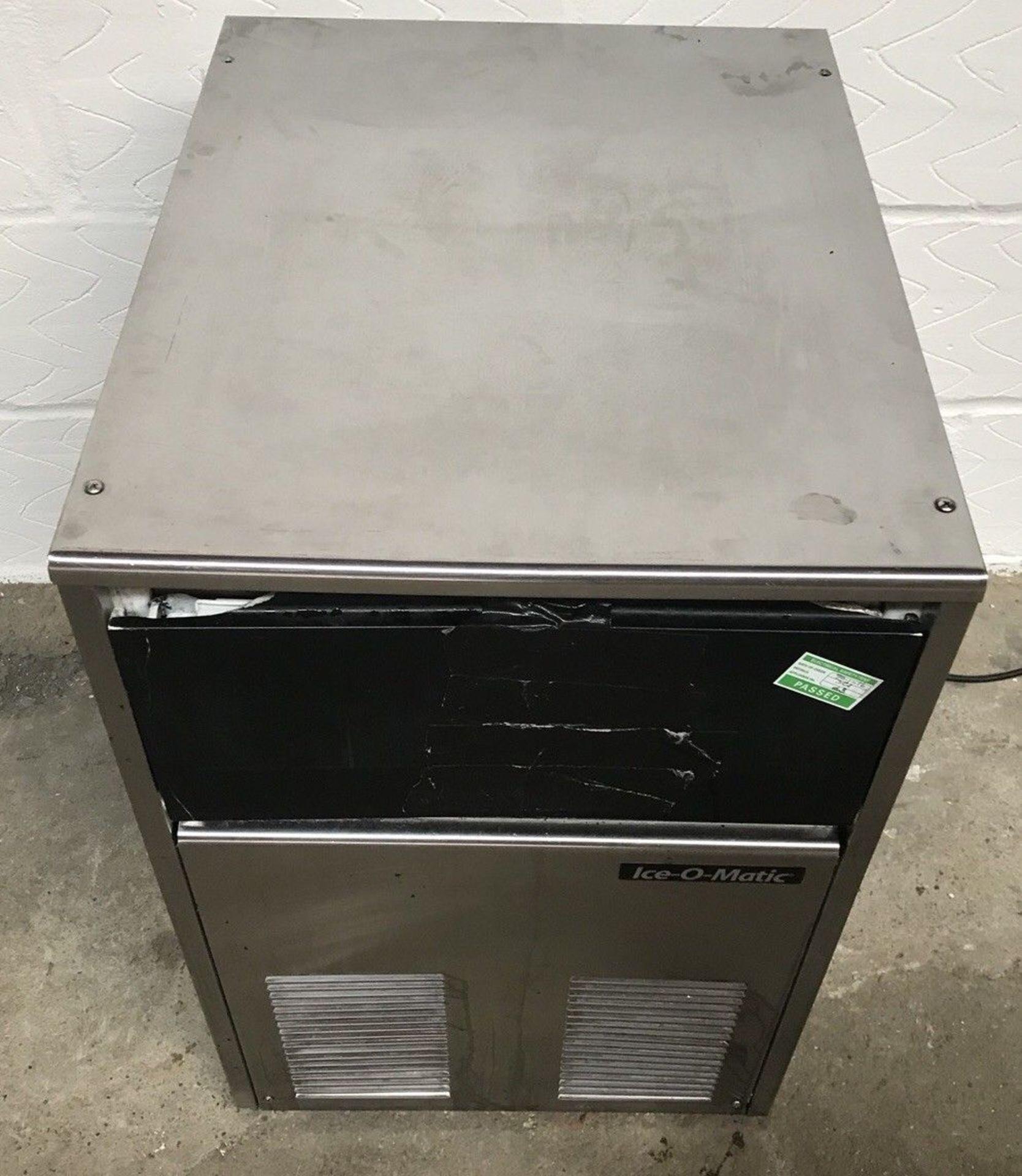 Lot 100 - Ice O Matic ICEU 065 29 KG Ice Machine
