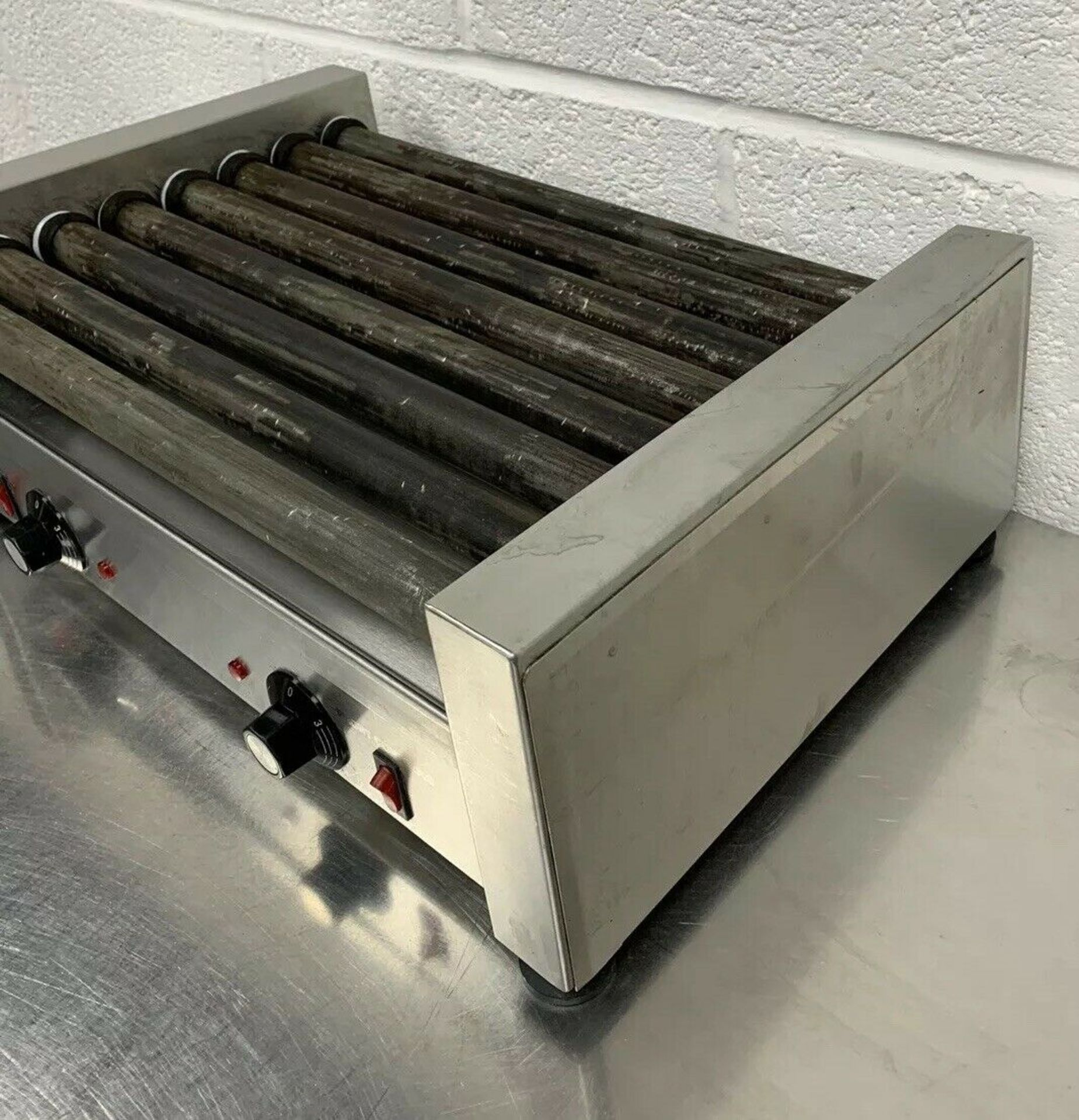 Lot 63 - FKI GL8 Hot Dog Grill