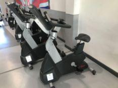 x1 Life fitness Upright cycling machine