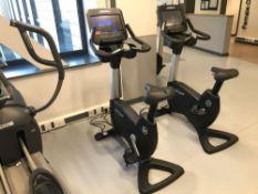 x1 Life cycle upright cycling machine