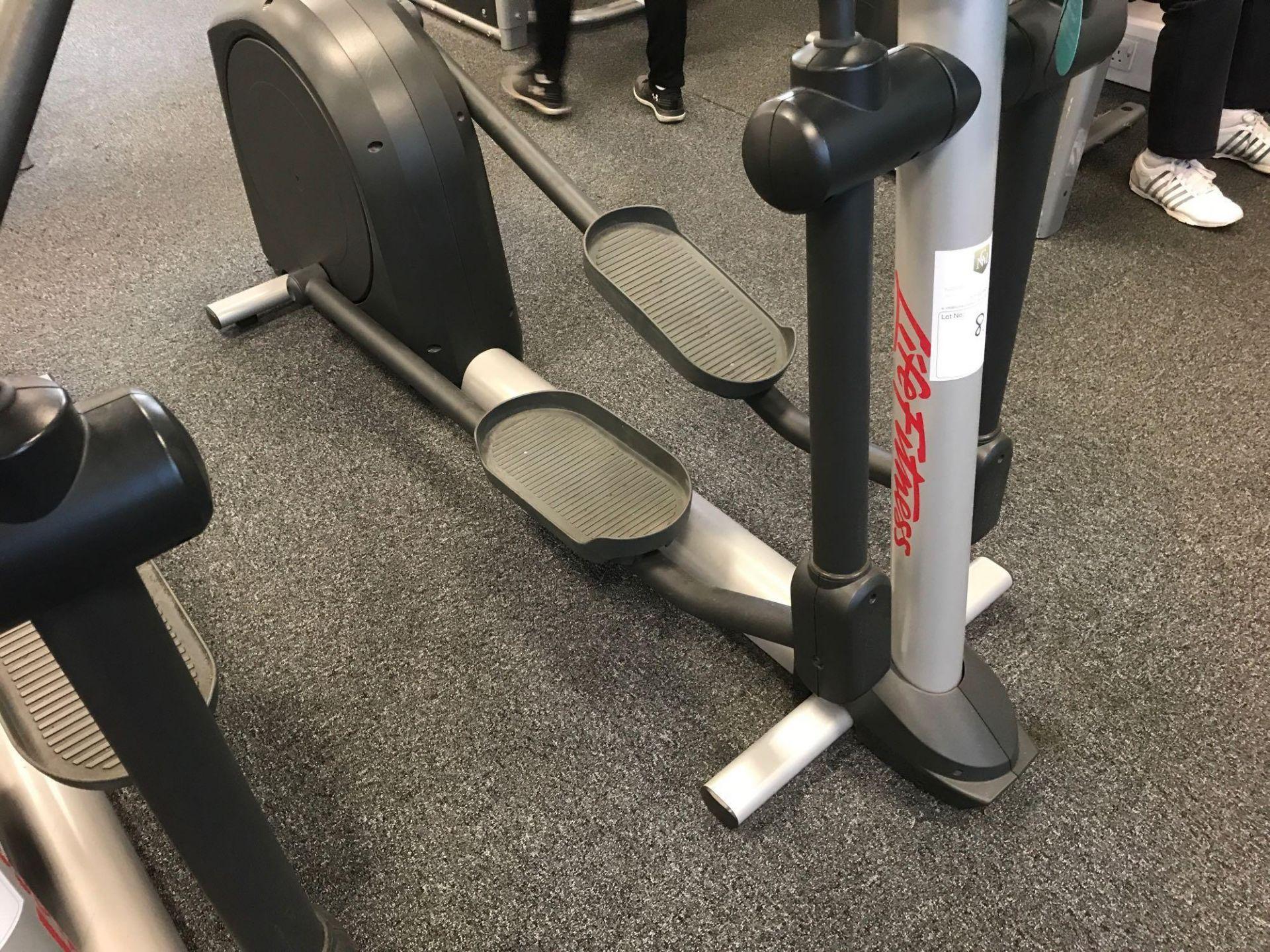 Lot 8 - x1 Life fitness Cross trainer