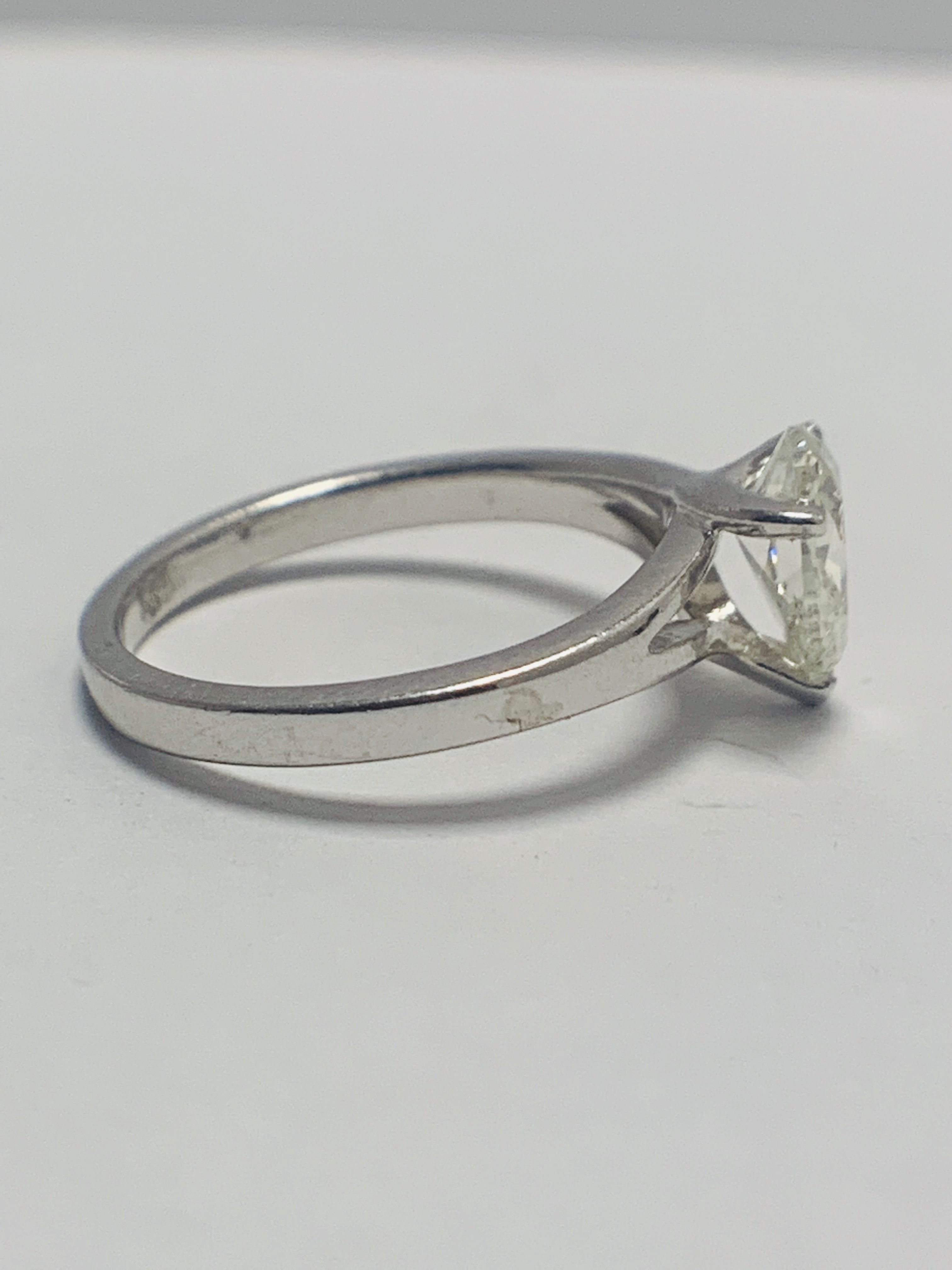 Lot 32 - 1ct Pearshape Diamond PLatinum Solitaire Ring.