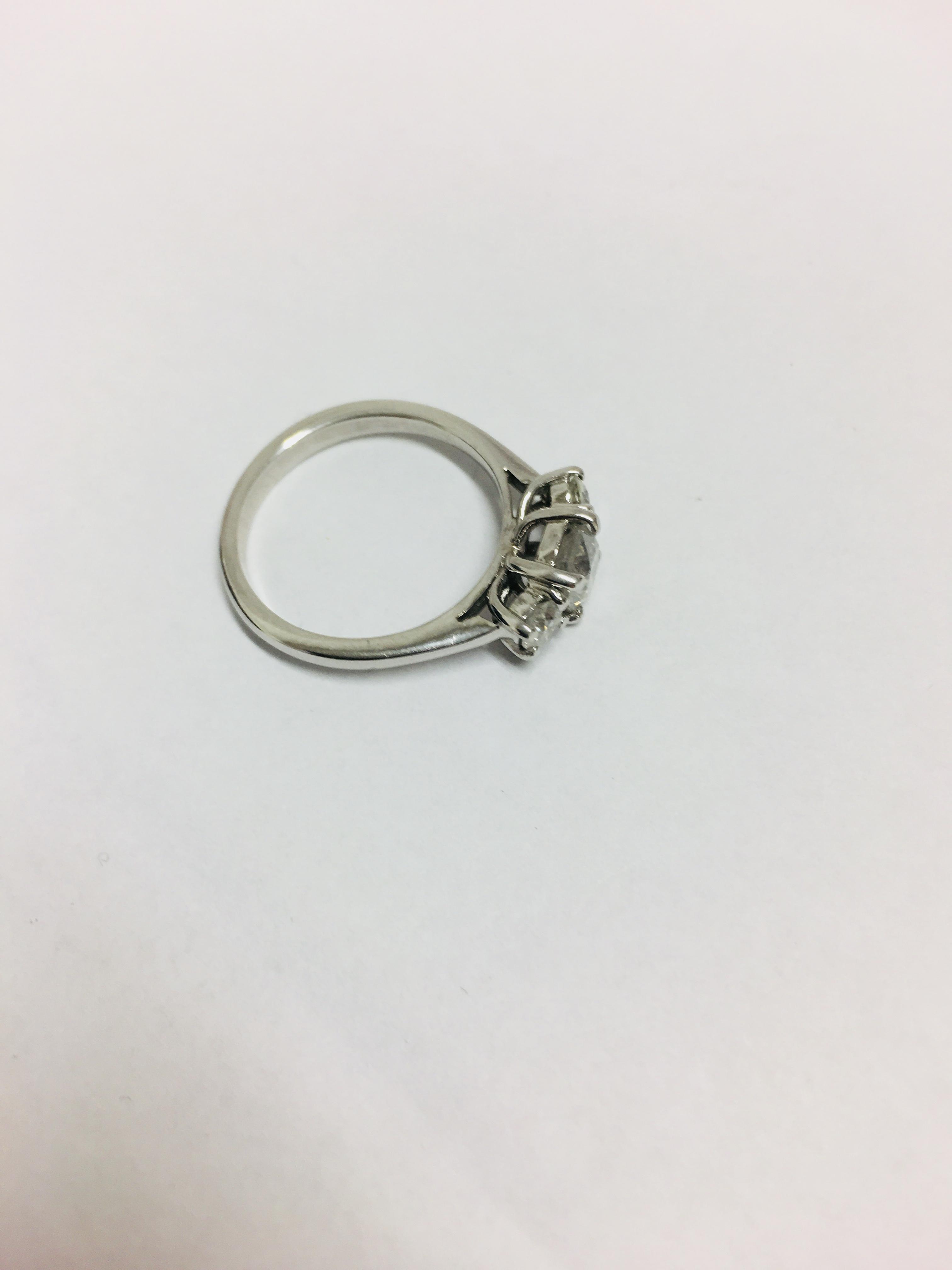 Lot 43 - 18ct white gold rilogy ring