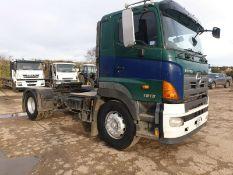 Hino 700 series 4x2 Tractor Unit
