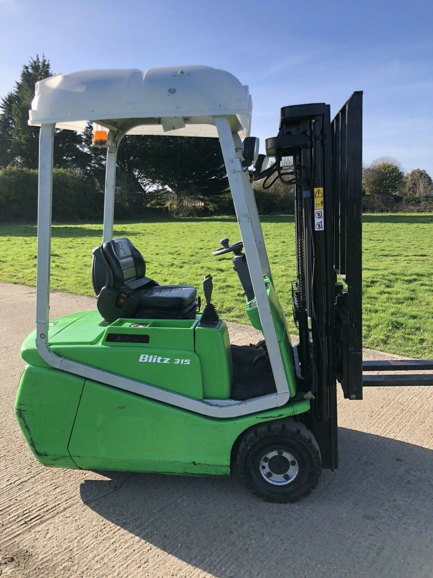 Lot 85 - Cesab Electric Forklift Truck