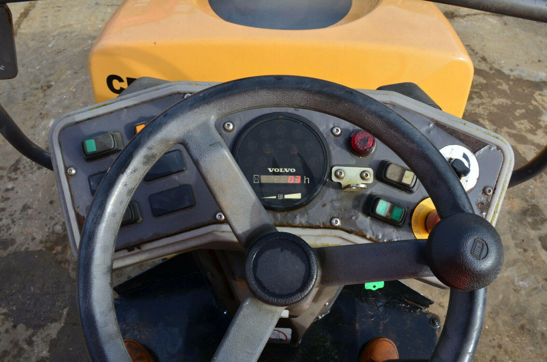 Lot 89 - Volvo DD24 Roller