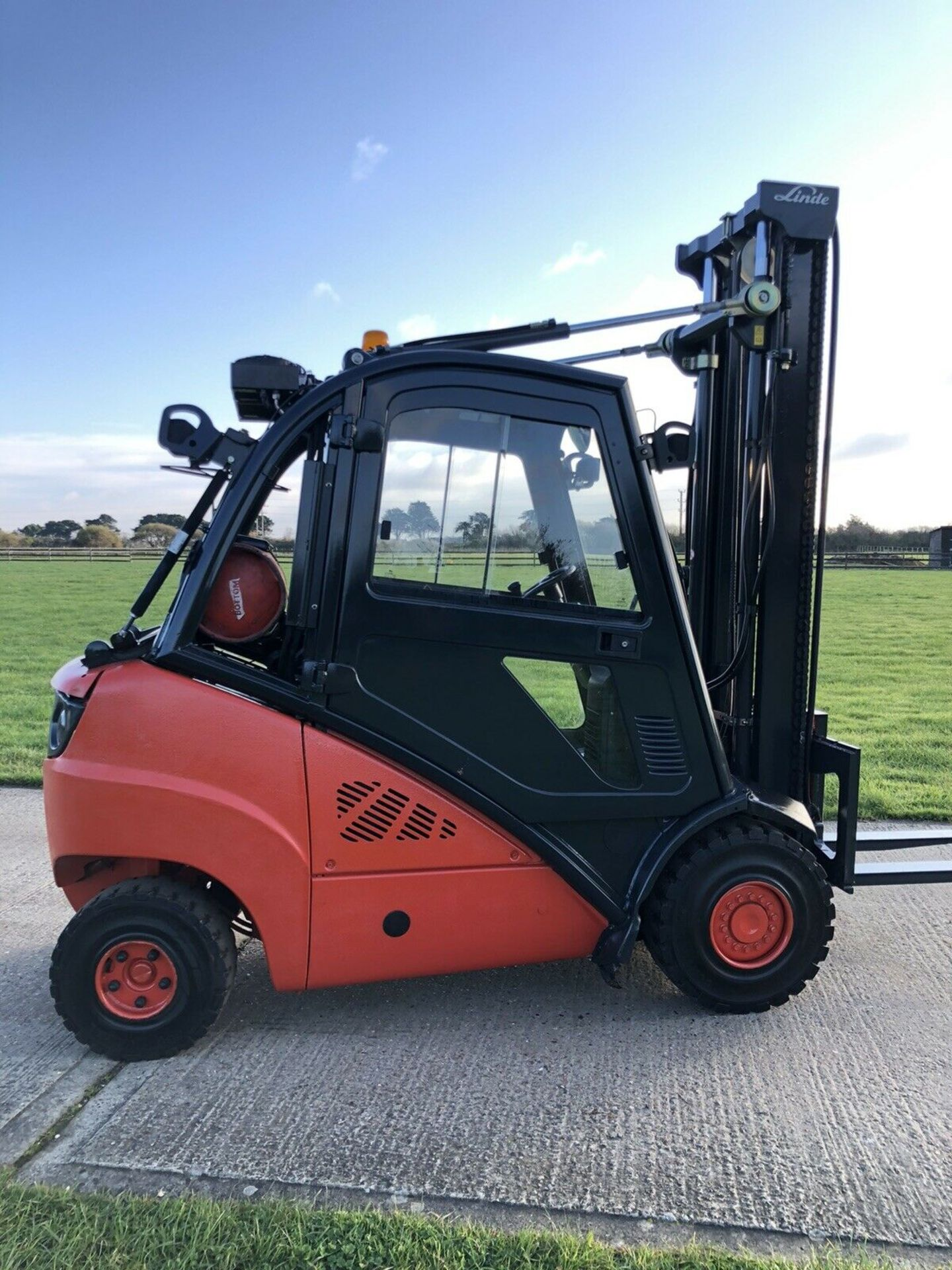 Lot 71 - Linde H30t Gas Forklift