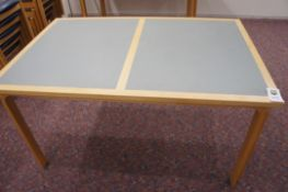 Magnus Olesen meeting table 1400mm x 900mm