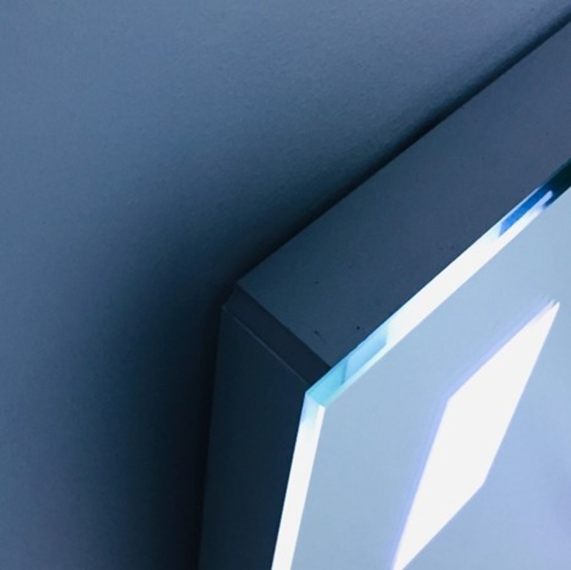 Lot 46 - x 5 Bathroom Illuminated LED Mirrors
