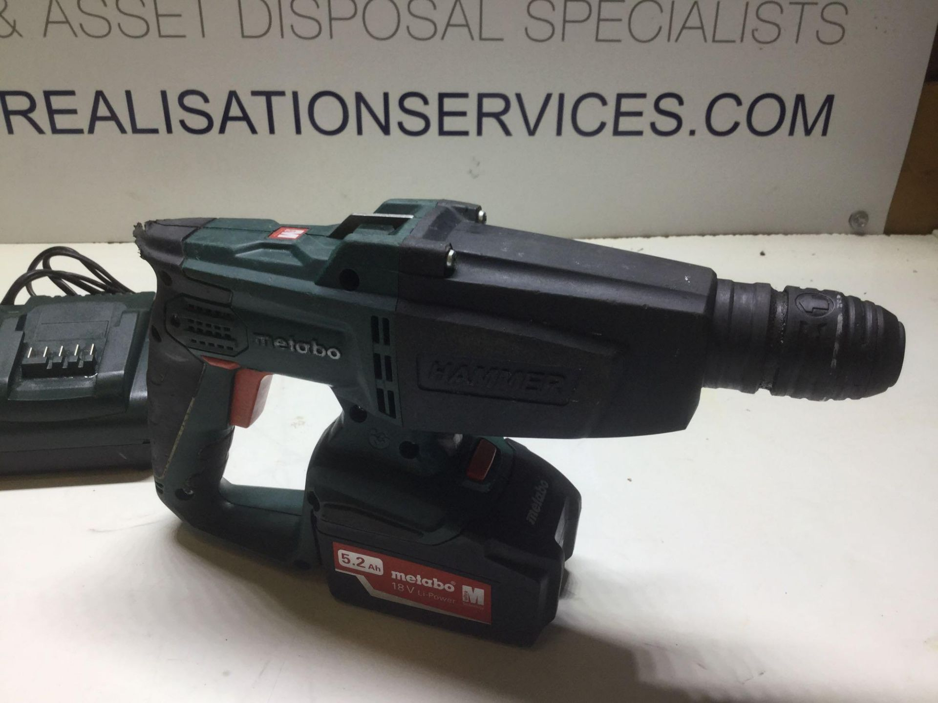 Lot 33 - Metabo SDS Hammer Drill With Charger & 18v Li power 5.2ah Battery