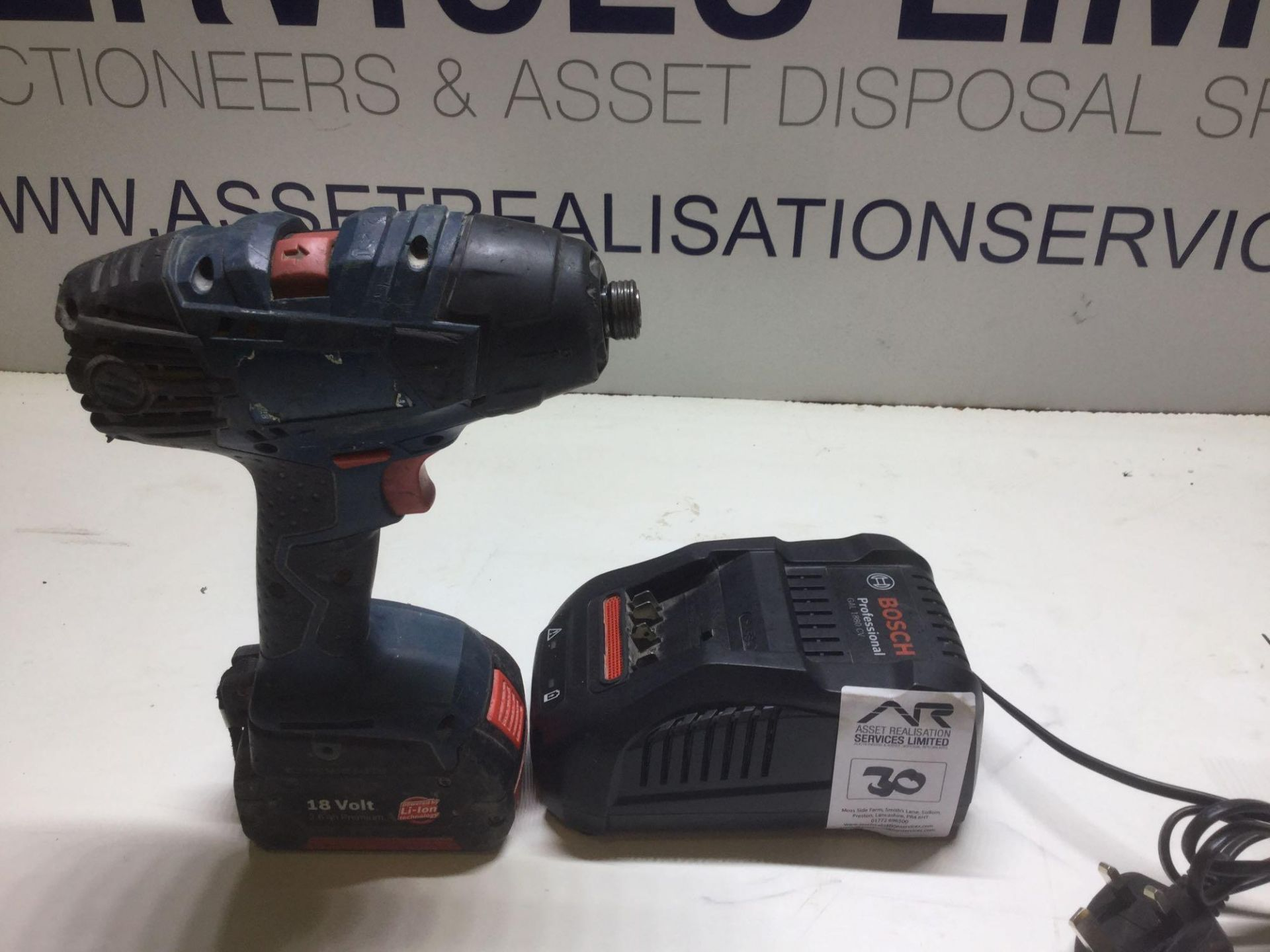 Lot 30 - Bosch GDR 18v Tec Drill with Charger & 2.6v Battery