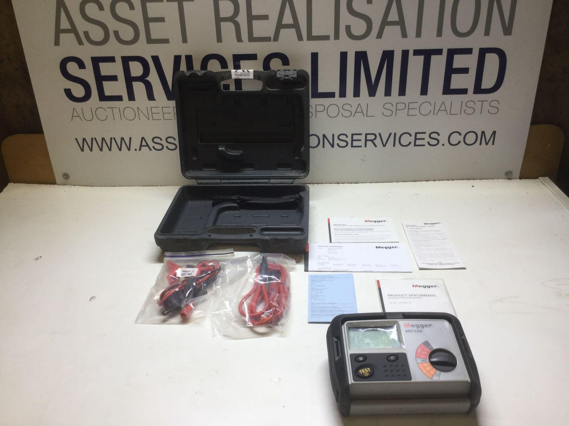 Lot 26 - Megger MIT320 Electrical Tester with all Testing Cables In Box As New