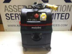 Makita ASR 25 L SC Dust Extraction Unit With 110v Socket 110v