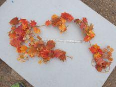 13 Pieces of Artificial Maple garland - Unused - Autum colours - 1.8m long