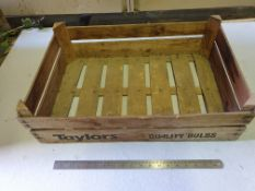1 Vintage Taylors bulb crate