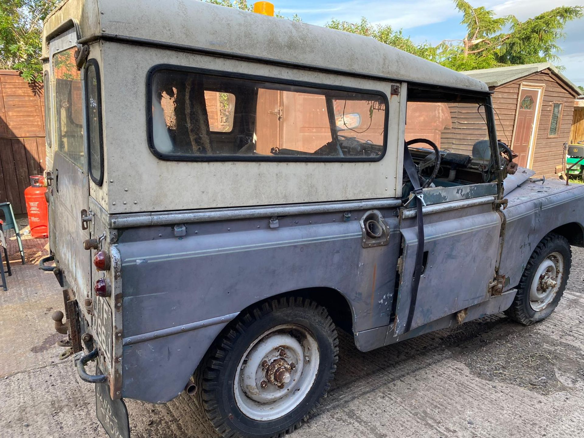 Lot 6 - Barn Find Land Rover Series 2A
